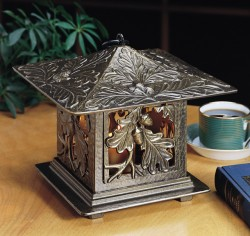 Whitehall Oakleaf Tea Lantern